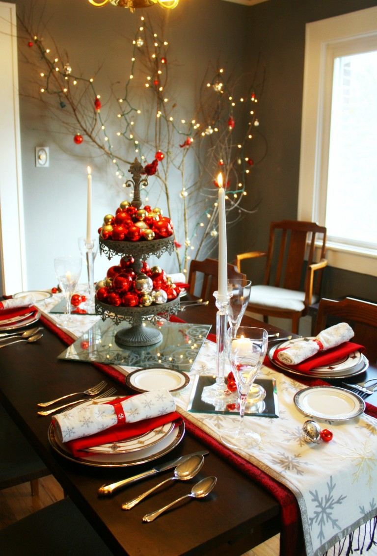 holiday-dining-room-decorating-ideas-christmas-table-setting